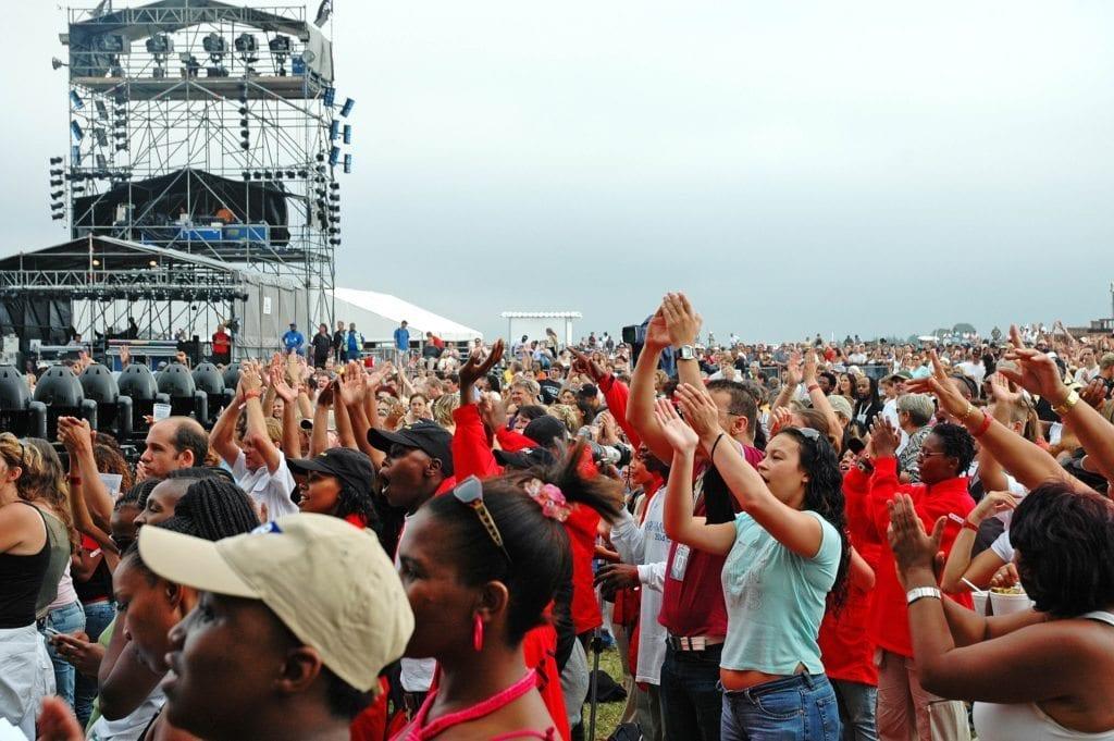 crowds-2-1435397