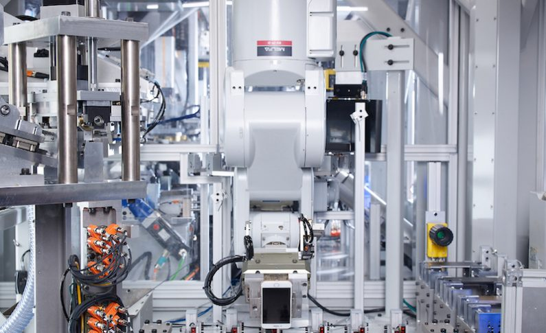 Video: How Apple's Daisy Robot is Combatting E-Waste