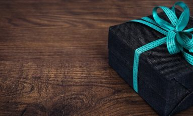 2019 Holiday Gift Guide for the Tech Enthusiast in Your Life