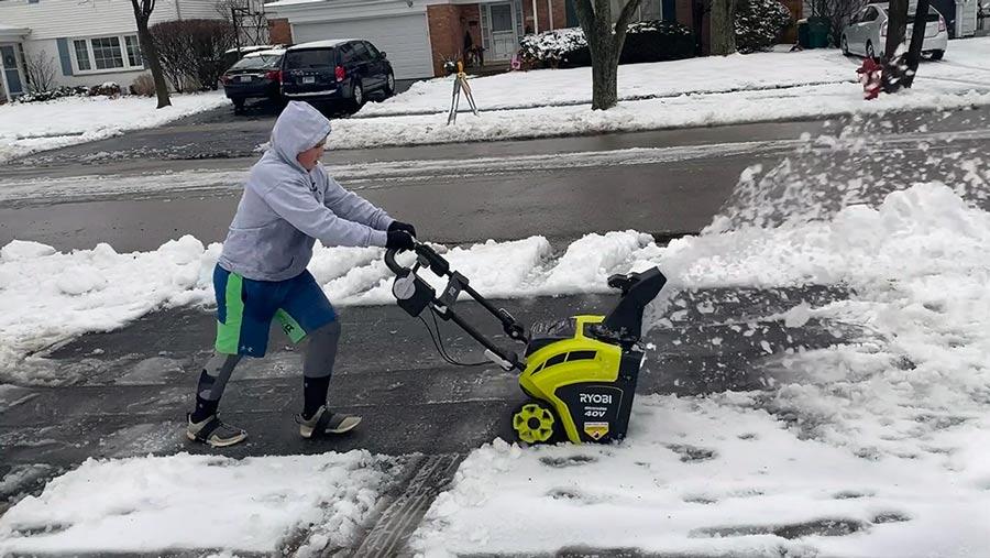 Stuck in a Snowstorm? Ryobi Electric Snowblower Battles Chicago Winter