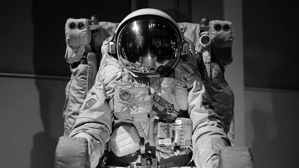 astronaut-cosmonaut-person-space-WEB
