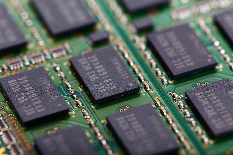 computer-board-technology-part-green-electrical-1358022-pxhere.com
