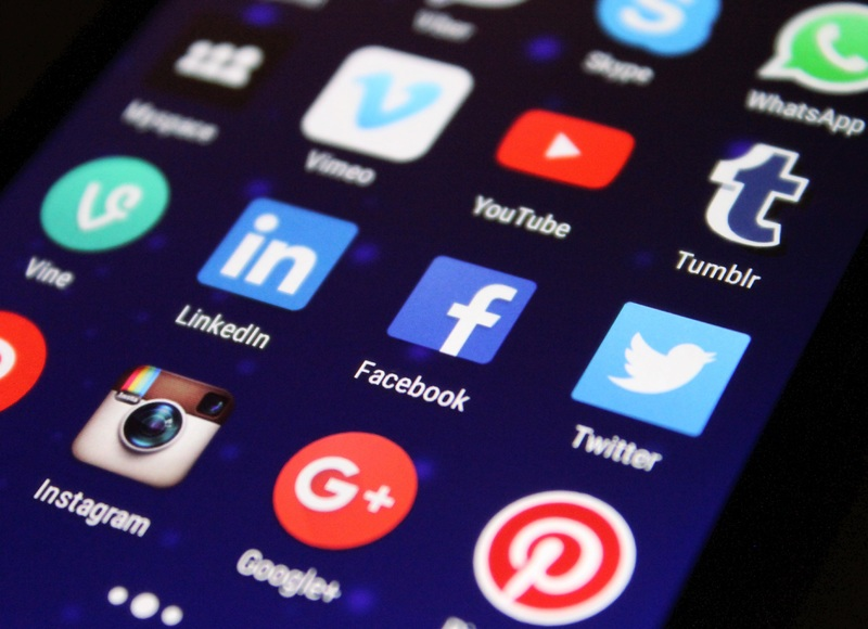 smartphone-technology-social-internet-communication-gadget-1063277-pxhere.com