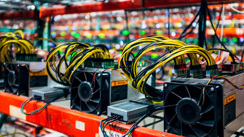rig-miner-bitcoin-red-computer-manufacturing-1419849-pxhere.com