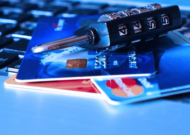computer-gadget-blue-padlock-password-identity-545991-pxhere.com