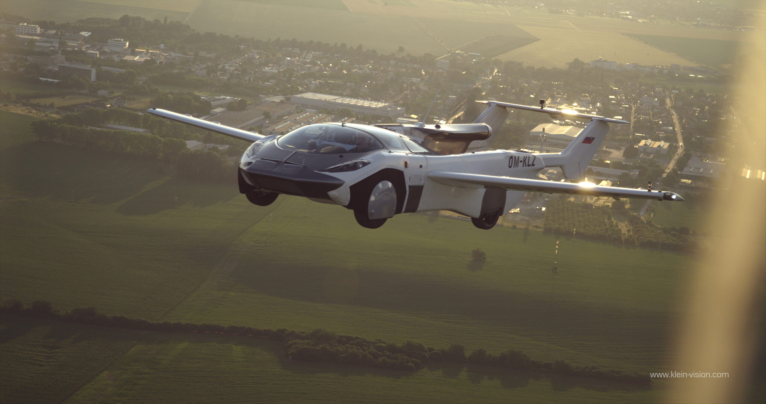 Science Future — Flying Car Completes Its First Flight Between Cities